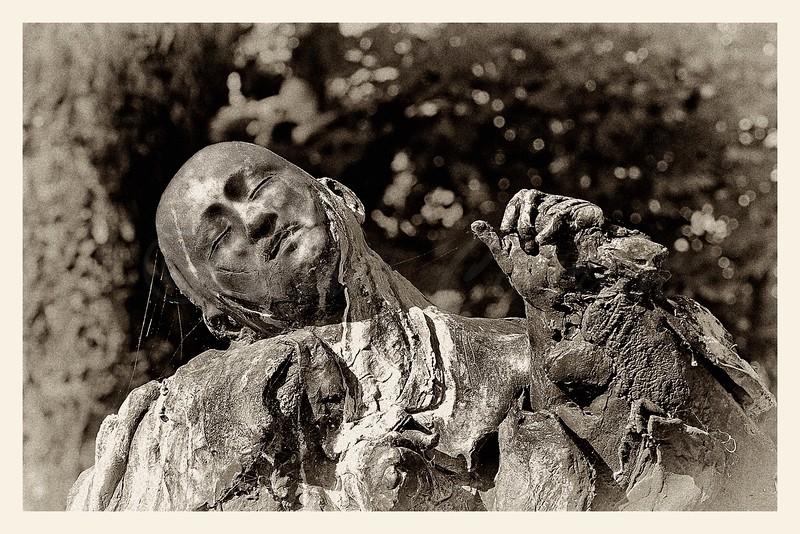 Jean Moulin in memoriam, Jardin des Champs Elysées, Georges Janclos