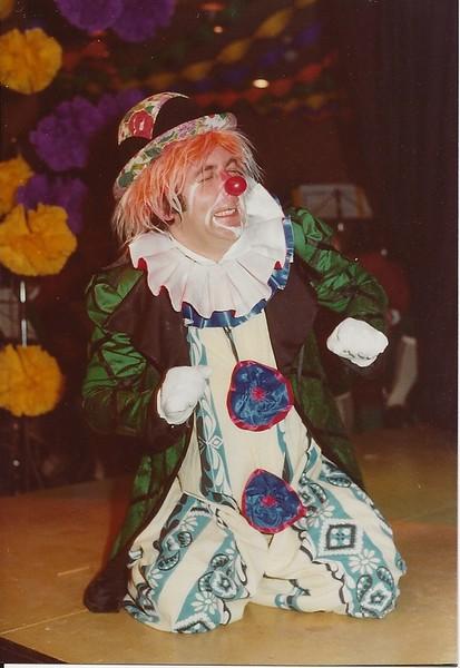 circus moes 3.jpg