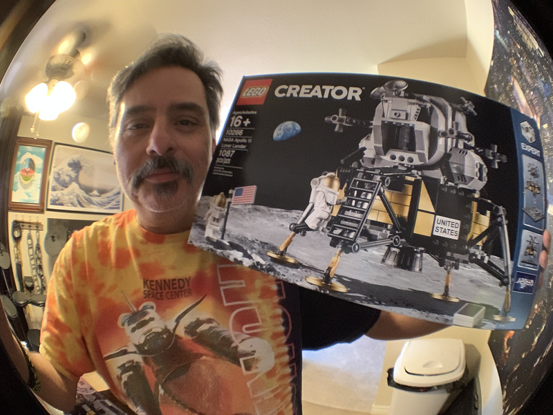 2019-06-08 LEGO Apollo Lunar Lander Build-18_heic.JPG