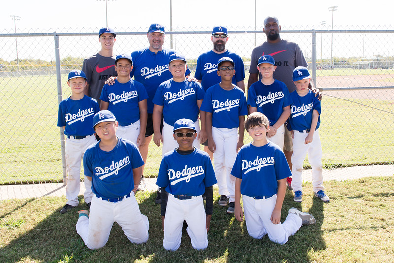 2016-10-29 10U Dodgers Team Picture 003.jpg