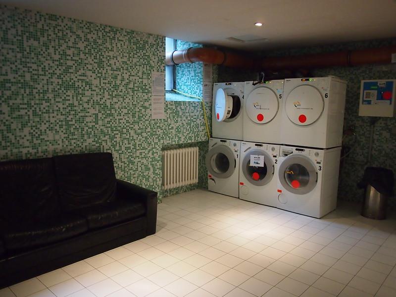P8257962-laundry.JPG