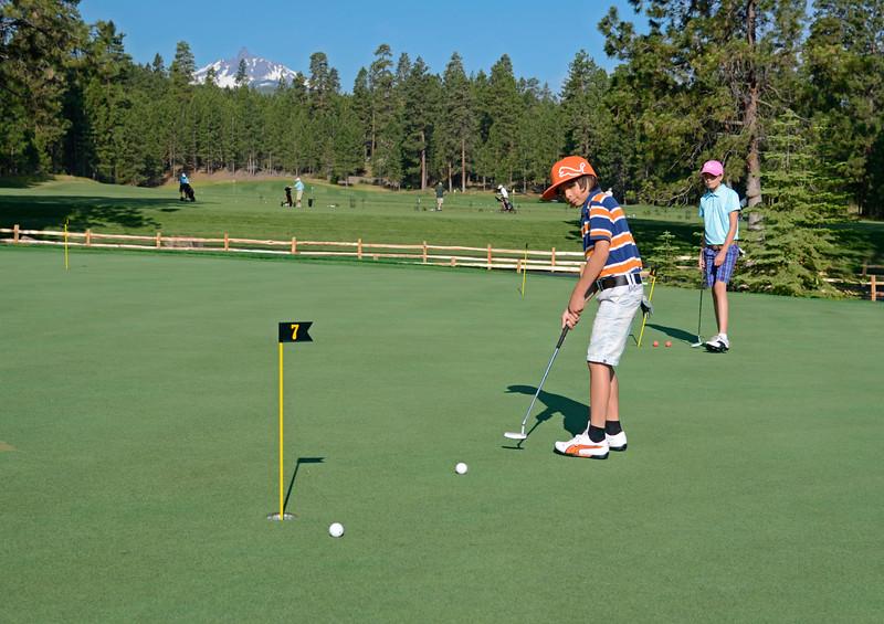 golf-black-butte-ranch_Glaze-Meadow-putt-kids_KateThomasKeown_DSC9074 copy.jpg