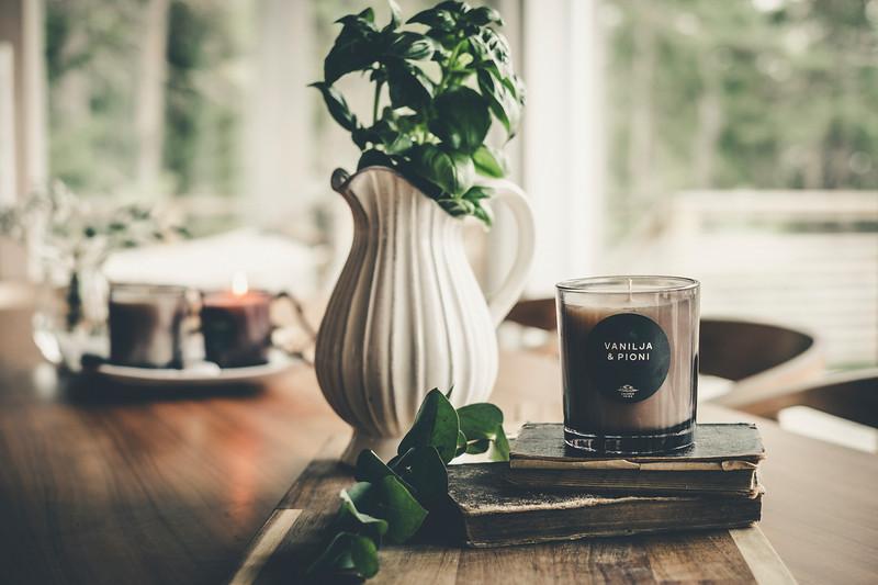 Saaren Taika huonetuoksu tuoksukynttilät sisustus lifestyle (9 of 30).jpg
