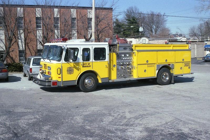 Berkeley MO - Engine 3620 - 1990E One Hush 1500-750 #7851.jpg