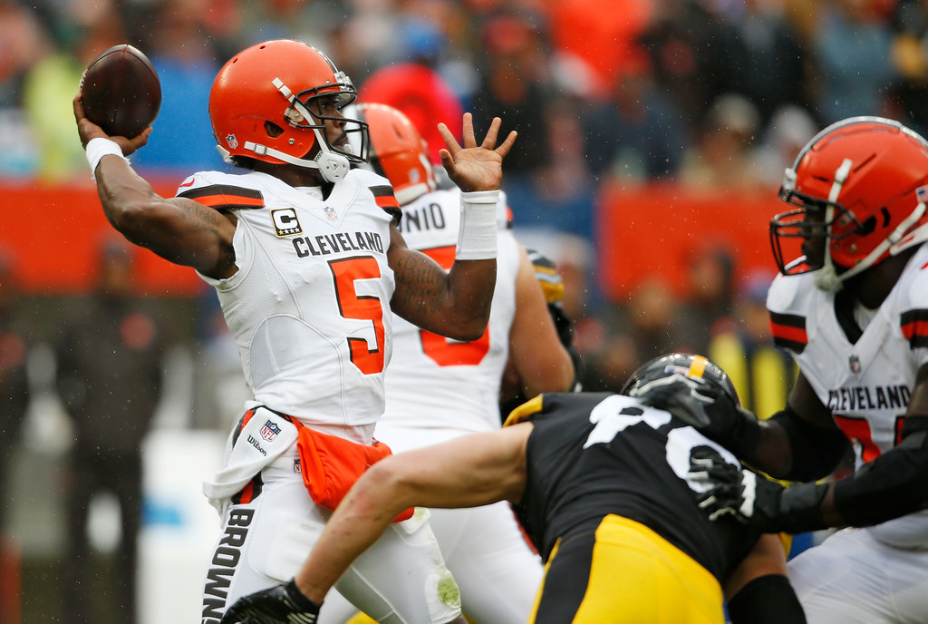 . Cleveland Browns quarterback Tyrod Taylor throws during the first half of an NFL football game against the Pittsburgh Steelers, Sunday, Sept. 9, 2018, in Cleveland. (AP Photo/Ron Schwane)
