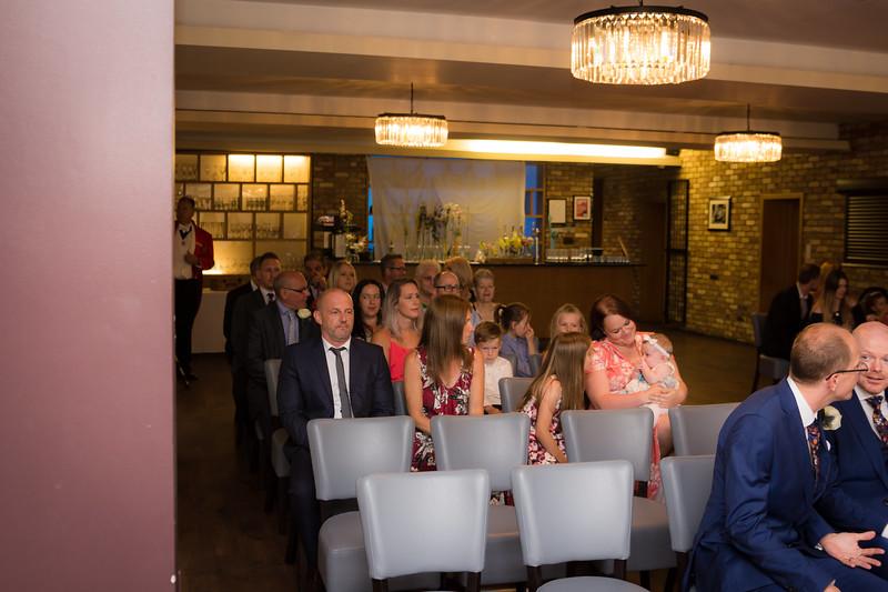 Sam_and_Louisa_wedding_great_hallingbury_manor_hotel_ben_savell_photography-0029.jpg