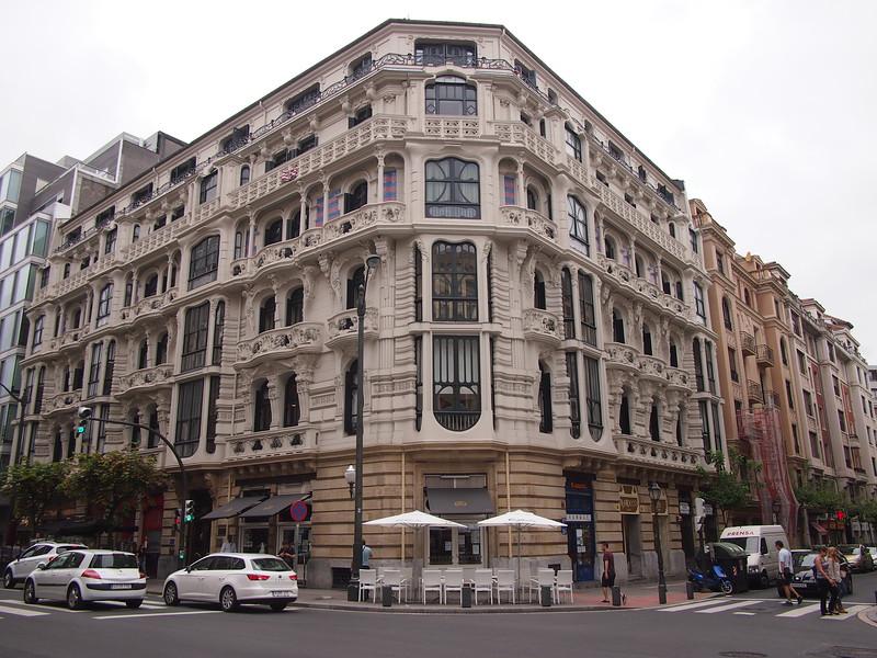 P7215768-grand-building.JPG