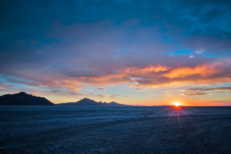 feels like mars..  #bonnevillesaltflats