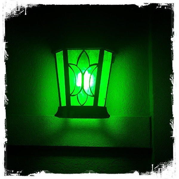 Easily found my house on the block at 1 a.m. thanks to @windycitymomma & @kaylakat25 #greenlightavet @Greenlightavet #greenlightavetcampaign💡💚