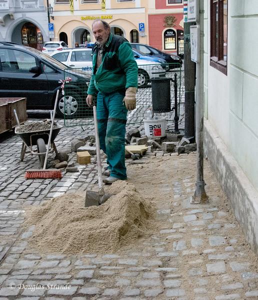 Cobblestone maintenance, Cesky Krumlov