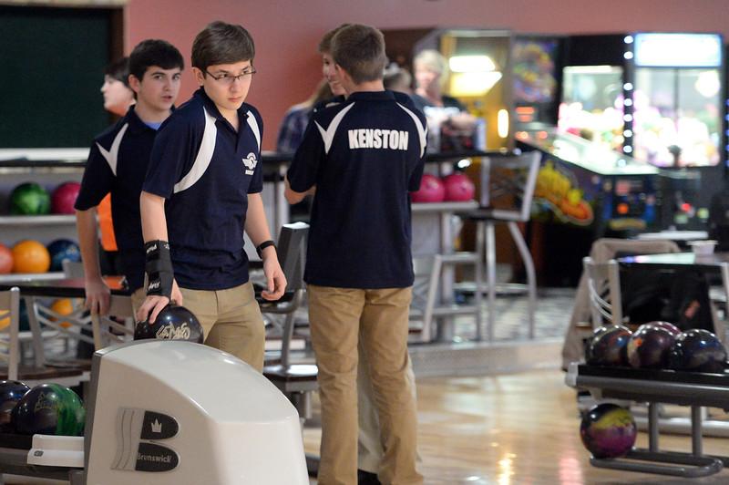 boys_bowling_9769.jpg