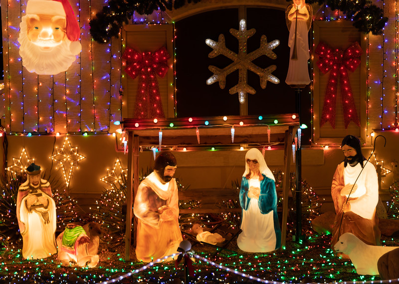 Phoenix Adobe Highlands Neighborhood Lights December 24, 2018  20.jpg