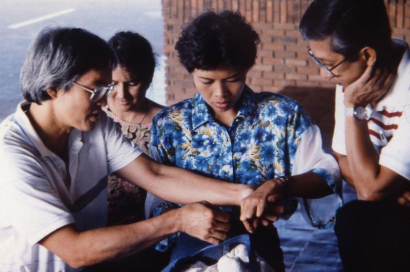 batac'91.tying knots.jpg