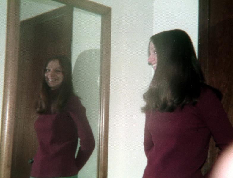 121183-ALB-1977-2-042.jpg