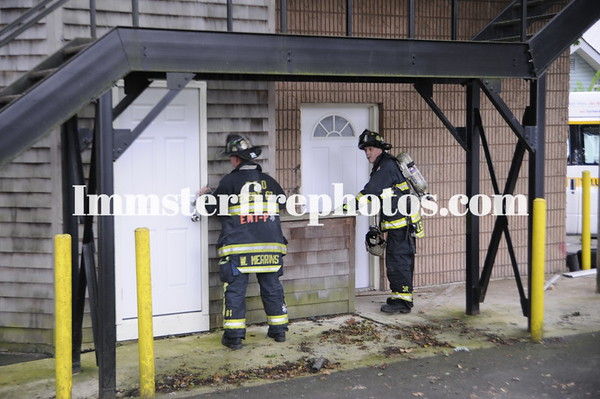 Farmingdale FD 7-31-09 Taxi vs Building with gas leak