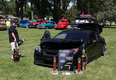 About all we can tell you about this vehicle was that there were an abundance of trophies stacked around it.  Was it a winner……..or…….?