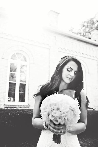 Le Cape Weddings - Megan and Yoav - Wisconsin photographer - Bride Portraits 16.jpg