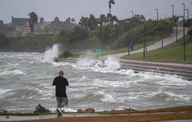 Hurricane-Harvey-1260x800.jpg
