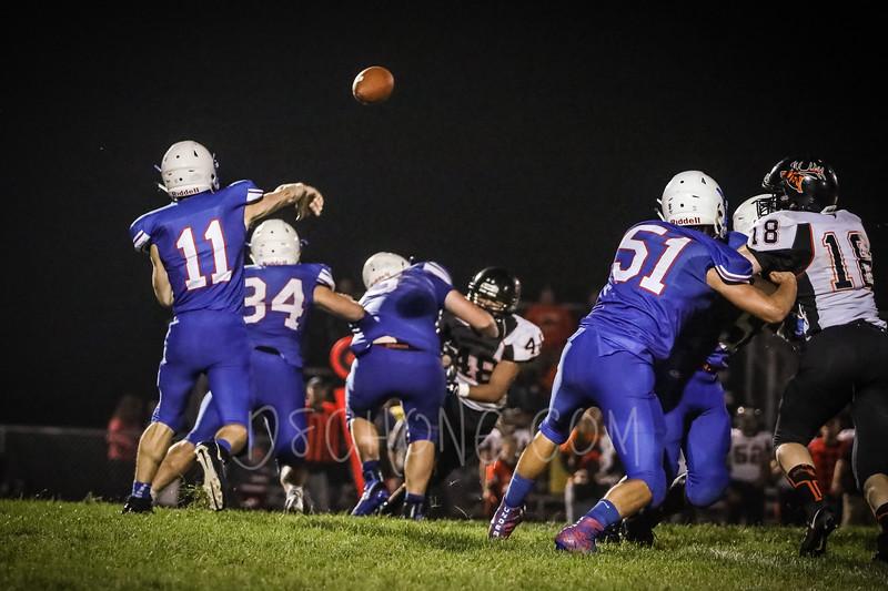 GC Football vs Elk Mound-1564.JPG