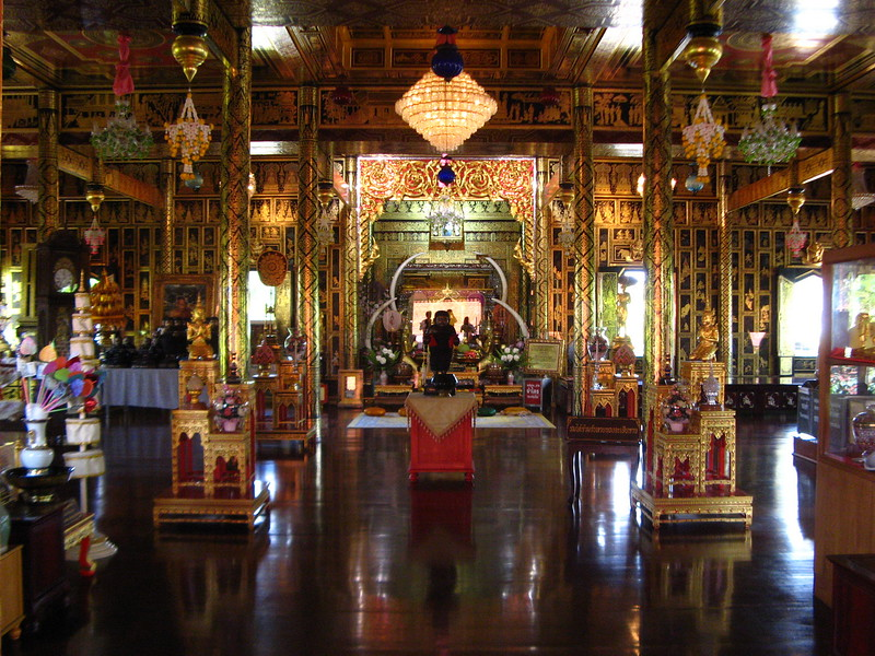 Luang Pho Nuang's resting place, Wat Chulamanee
