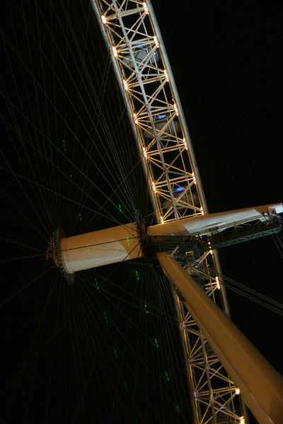 london-eye-at-night_2178607079_o.jpg