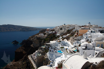 Oia (pronounced EE-a)