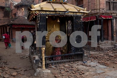 the-latest-on-nepal-earthquake-death-toll-rises-to-6841