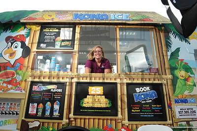 16232  Alumni Molly Eaton Kona Ice Truck 9-3-15