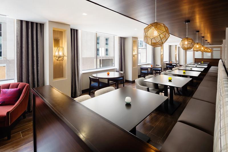 21-Dinning Area-Hampton Dallas.jpg