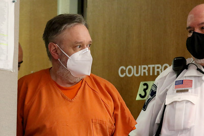 82820 Andrew Freund in court (MA)