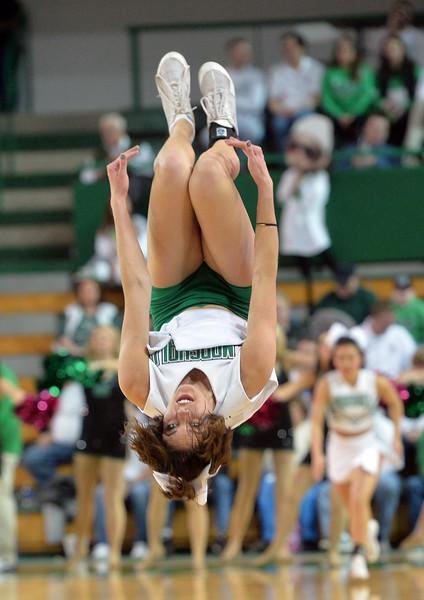 cheerleaders0612.jpg