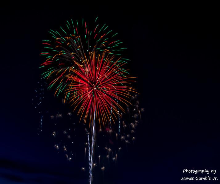 Fourth-of-July-Fireworks-2016-0297.jpg