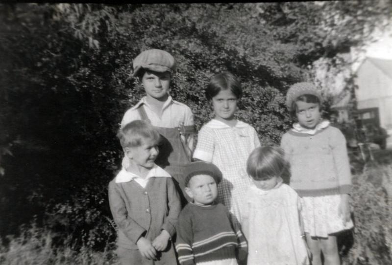1930s Donald, Eileen, Wilma, Lloyd, Marvin and Lu.jpeg