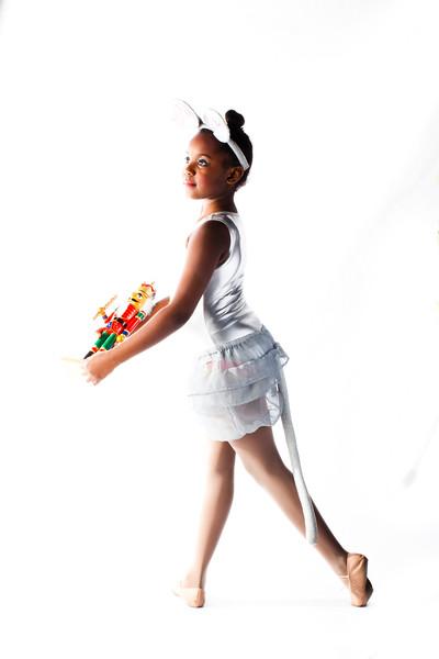 8 Clevelands own Aiyanna Coleman 8yr old dances in Nutcracker by Pulse Studio Bedford Weber 2015.jpg