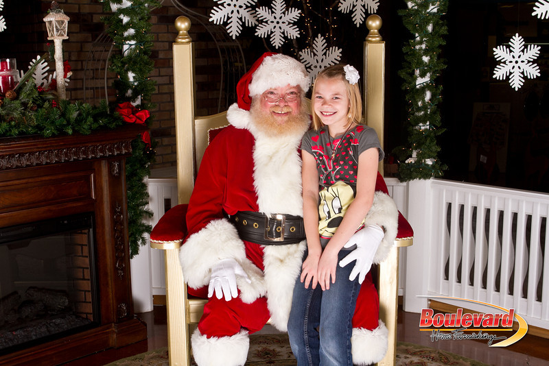 Santa Dec 15-28.jpg