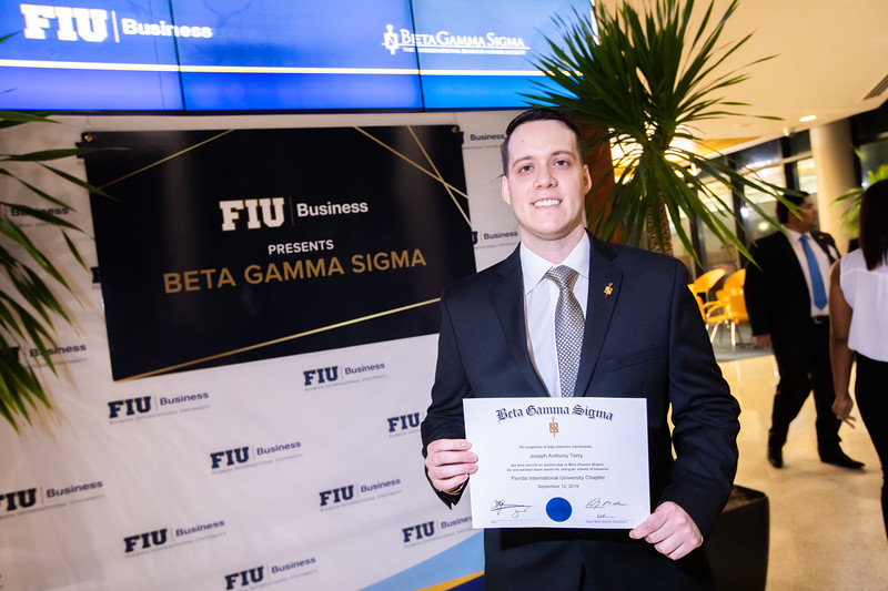 FIU Beta Gamma Sigma Ceremony 2019-153.jpg