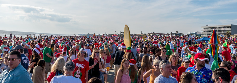 2017 Surfing Santas (3 of 21).jpg