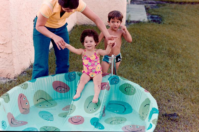 1978-5-14 #10-1 Erica At Beach.jpg