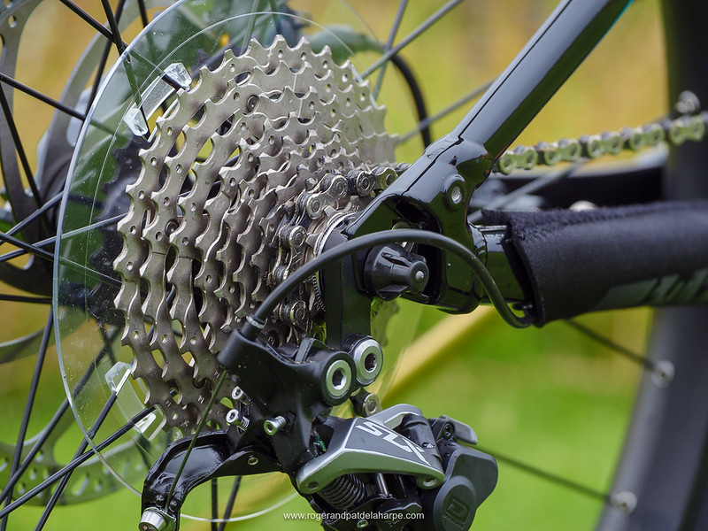 Shimano 10 speed offers a nice range of cogs .