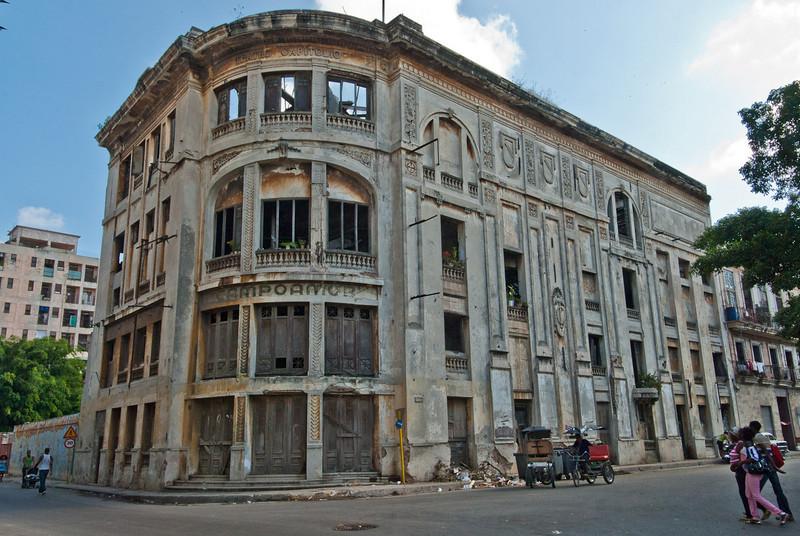 2011-04-07_Havana_OldTown_9136.jpg