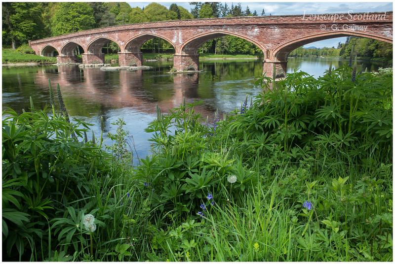 Kinclaven Bridge over the River Tay