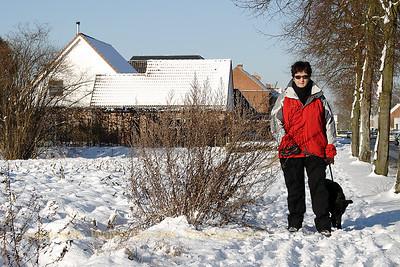 20090106_Met Bosco in de sneeuw