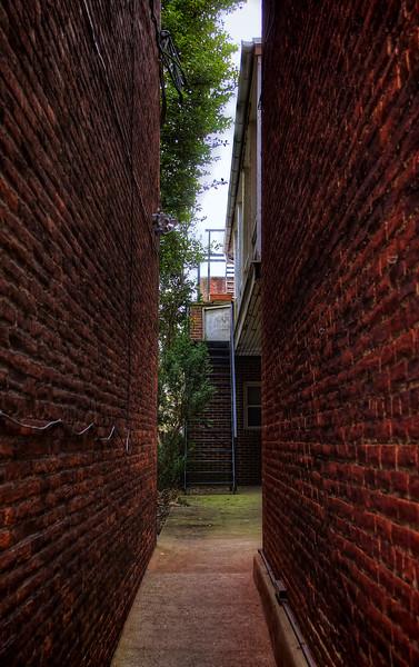 lanc28 - brick alley(p).jpg