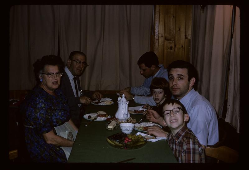 1966 Family_211.jpg