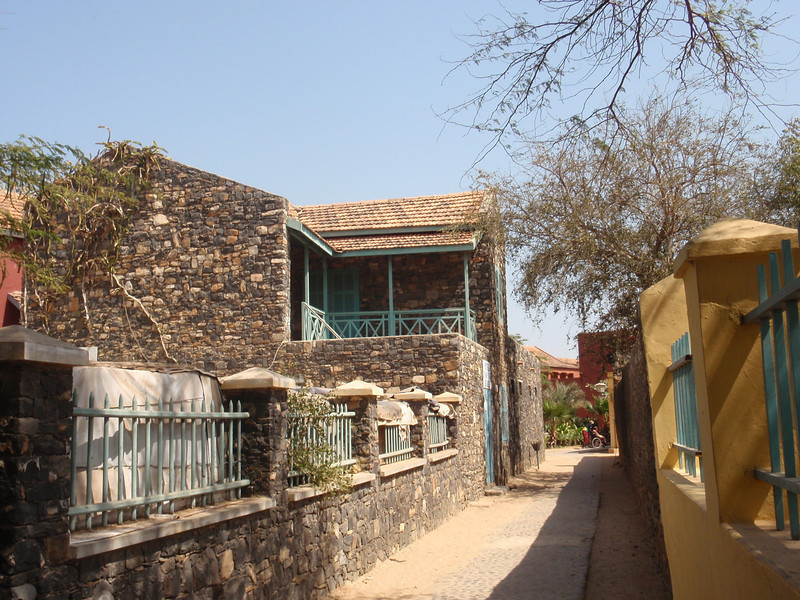 045_Goree Island. The Old Colonial Quarter. Narrow Alley.jpg