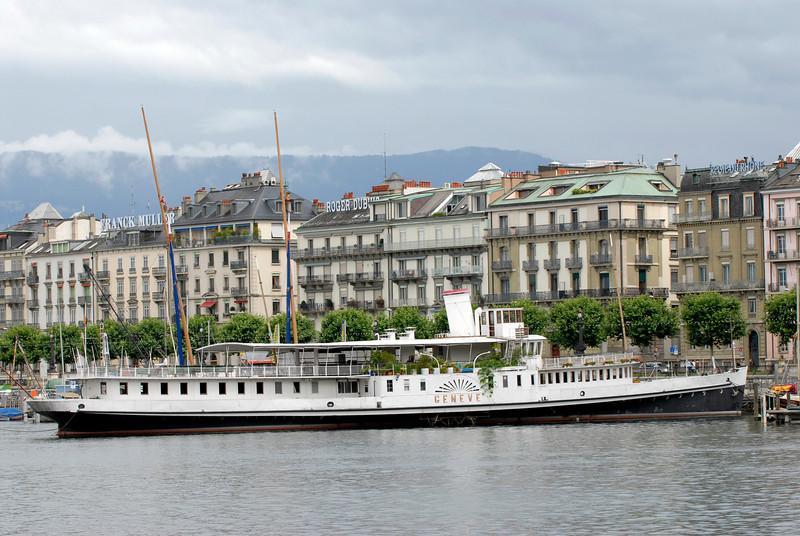 070626 7438 Switzerland - Geneva - Downtown Hiking Nyon David _E _L ~E ~L.JPG