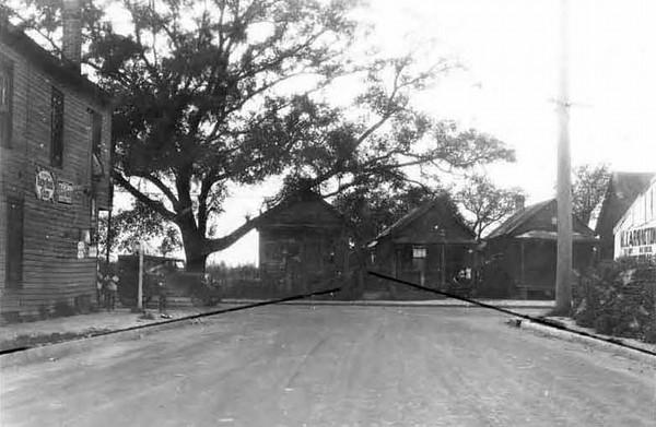 1928-Duval at Myrtle Ave - Lavilla.jpg