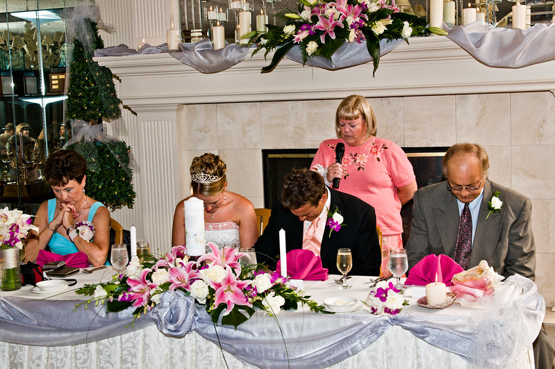 016 Mo Reception - Debi Gives The Prayer.jpg