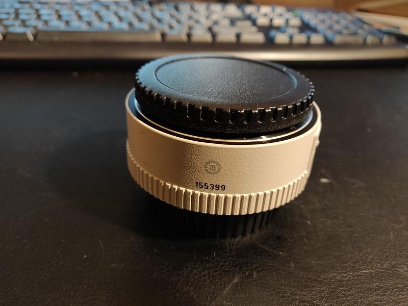 Canon EF 1.4x II Extender - Serial UW1002 002.jpg