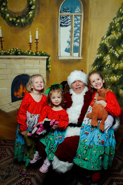 Pictures with Santa Earthbound 12.2.2017-029.jpg